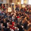 Seurakunnan juhlamessu veti väkeä Lappeen kirkkoon keväällä 2015. Kuva seurakunnan tiedotus