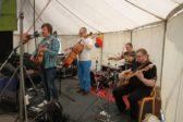 MGTH-yhtye esiintyi perjantaina Lähetyksen kesäpäivillä. Kuva: Kylväjä