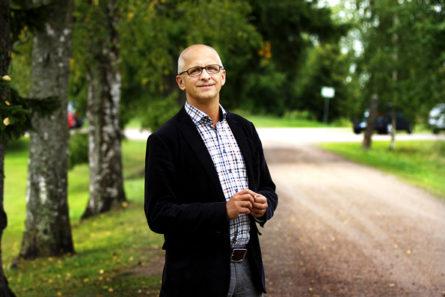 Rolf Kjøde vieraili toissa viikonloppuna Kansanlähetysopistolla Ryttylässä. Kuva: Matti Korhonen