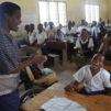 Itä-Afrikassa Fida on haastanut isoja kumppanikirkkojaan kyseenalaistamaan perinteistä suhtautumistaan vammaisuuteen, ja myönteistä asennemuutosta onkin tapahtunut. Tansanialaisen kumppaniyhteisön Tangassa sijaitsevat koulut remontoitiin vammaishankkeen yhteydessä niin, että luokkiin pääsee nyt myös pyörätuolilla. Kuva: Erkki Salo / Fida International