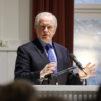 Don Carson puhui Apologiaforumissa Kansanlähetysopistolla 15.4. Kuva: Matti Korhonen