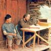 Olavi Vesalainen ja Dzaabu Lhomi aloittivat raamatunkäännöstyön lhominkielellä 1970-luvulla.