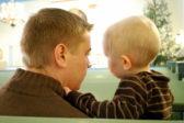 Vanhemman arvot ja valinnat luovat pohjaa lapsen uskolle. Kuva Minttumaria Ukkonen