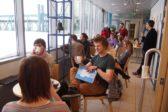 Tamperelaisessa nuorten aikuisten verkostossa kokoontuu yli 20 erilaista ryhmää, joihin osallistuvia yhdistää palo samaan harrastukseen tai asiaan. Kuva: Uusi Verso