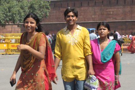 nuoria New Delhissä