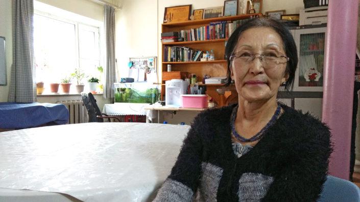 Jumala varusti kantamaan hedelmää  Ulaanbaatarista Berliiniin ja...