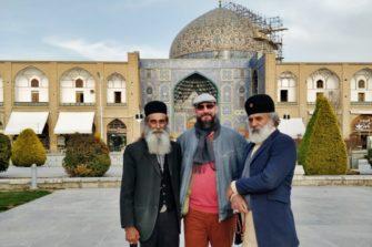 Partojen kohtaaminen Iranin Isfahanissa.