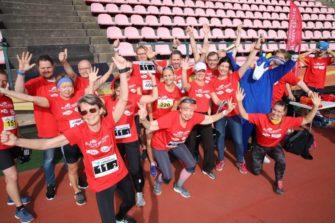 Punapaitaisia juoksijoita Tampereella 2018.