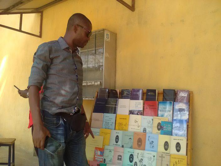 Pohjois-Kamerunissa on tarjolla kristillistä kirjallisuutta