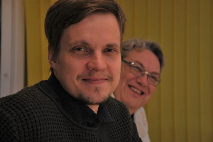 Petri ja Juha Vähäsarja ovat samaa mieltä siitä, että poika on isäänsä introvertimpi. Kuva: Mikael Juntunen