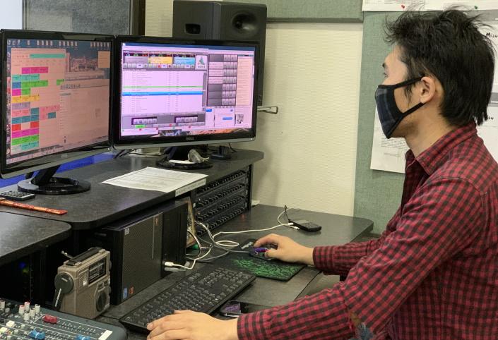 Radiostudiossa Ulaanbaatarissa korona-aikaan.