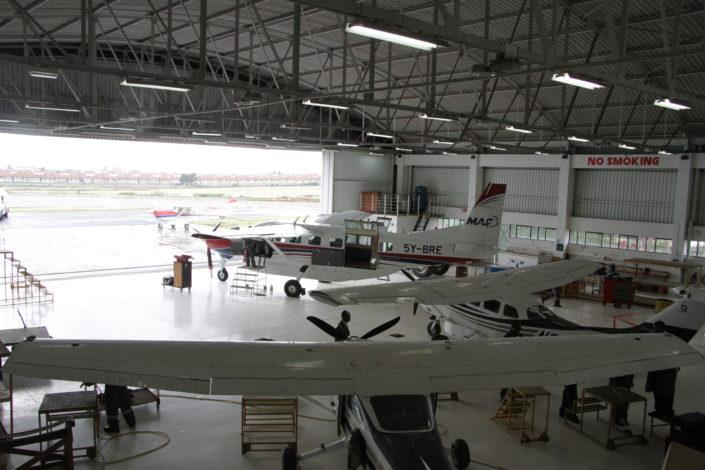 MAFin hangaari Wilsonin lentokentällä Nairobissa. .